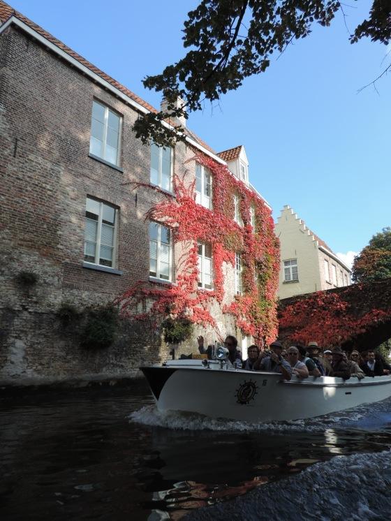 Bruges tour de barco